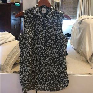 Cabi collared floral blouse. Sleeveless size:S